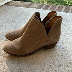 Women's Lucky Brand sz-12 Brown Booties